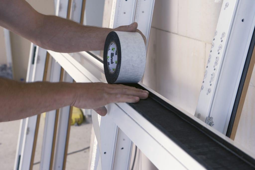Správna montáž okien na pásky