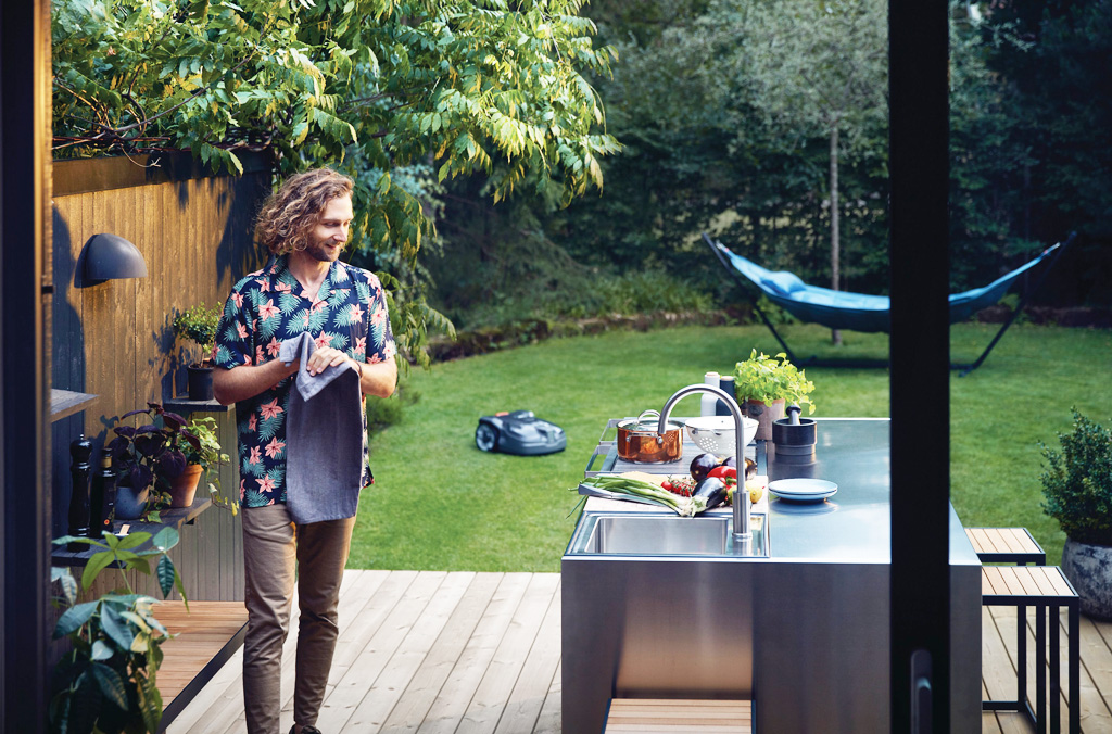 Trávnik je vizitka každej záhrady, ako ho správne prebudiť k životu, H350-0738