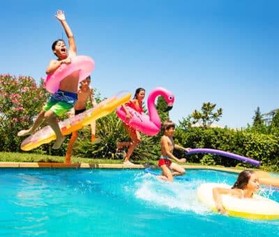Ako vybrať materiál, na rodinné bazény – výhody vlastného bazénu