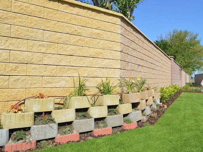 Pri nákupe a prípravy záhrad na letnú sezónu sa poraďte s odborníkom, ABW_land