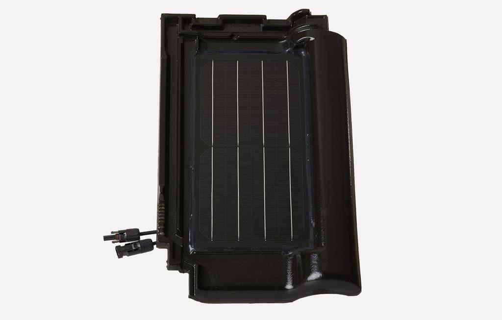 Silverline Black Edel Engobe, Slnečná energia z obnovovaných striech, fotovoltaický systém, ktorý je integrovaný do škridiel