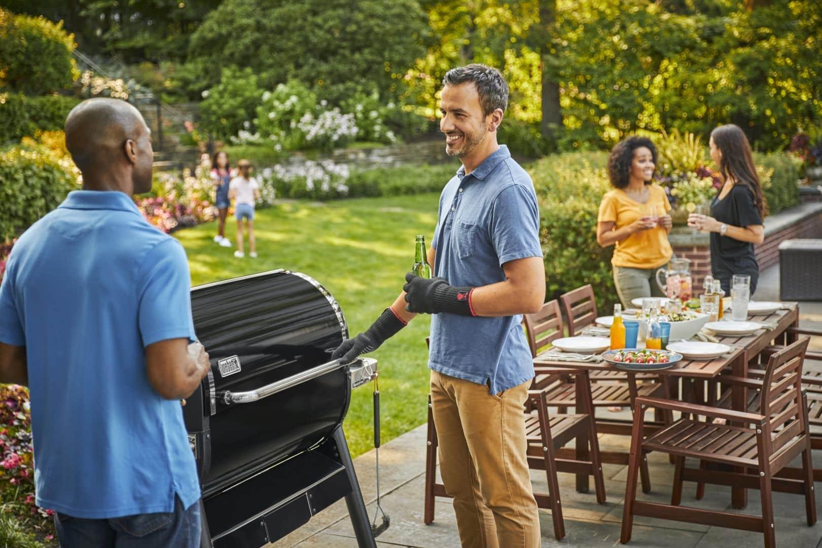 Hit tejto sezóny a delikátnu chuť mäska ktoré grilujete vám umožní – gril SmokeFire