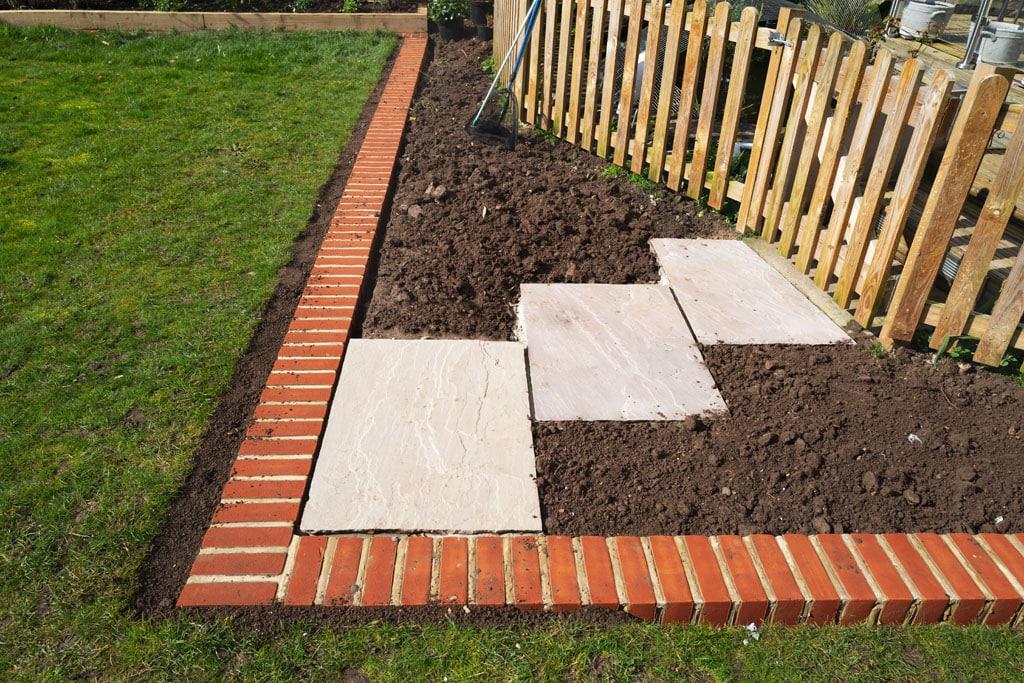 Spevnené plochy v záhrade Na čo myslieť pri ich plánovaní