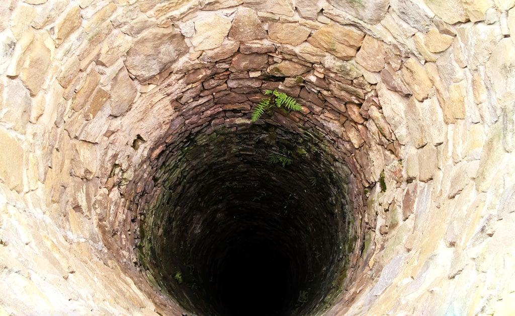 Vlastná studňa, prečo nie! Spôsob ako ušetriť s benefitom, Hľadanie prameňa, Hĺbenie studne