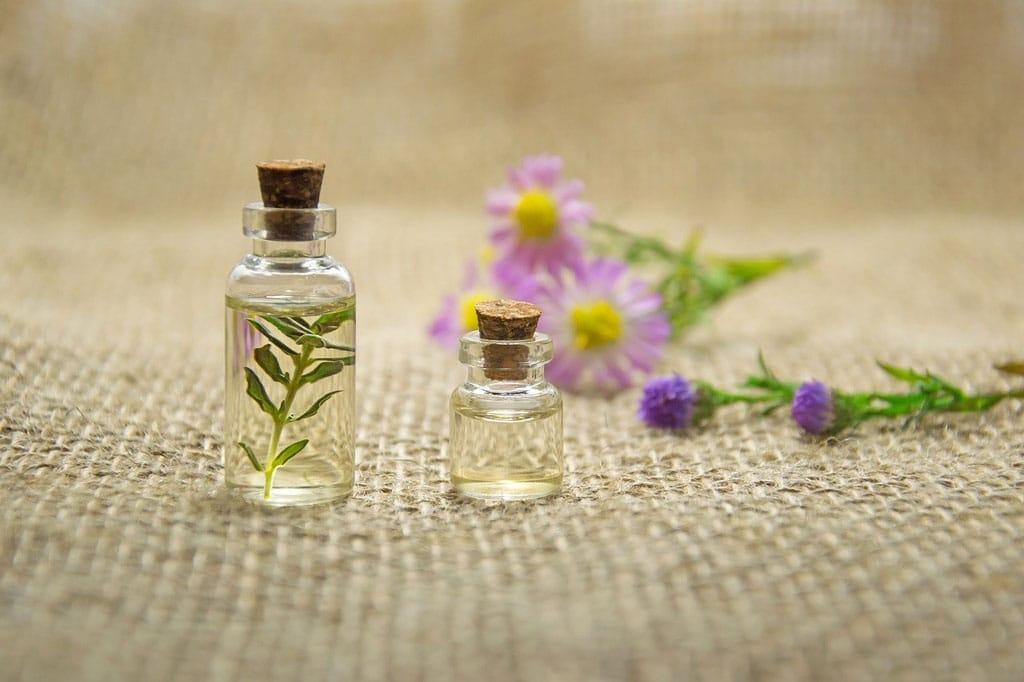 Aromaterapia na doma: Podľa čoho si vybrať esenciálny olej