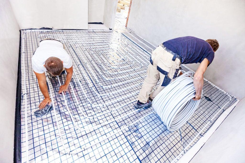 Podlahové kúrenie je stále populárnejšie. Spoznajte jeho výhody a nevýhody