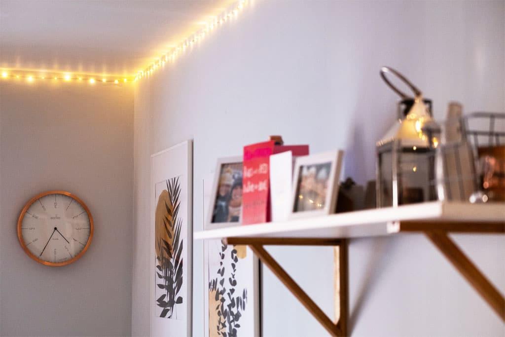 Prineste do tmavého bytu viac svetla, jednoduché triky s nábytkom, dekoráciami a svetlom, osvetlenie interieru