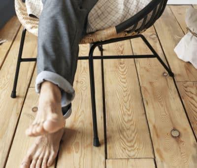 Šú lepšie PVC podlahy alebo drevené parkety Spoznajte ich výhody aj nevýhody