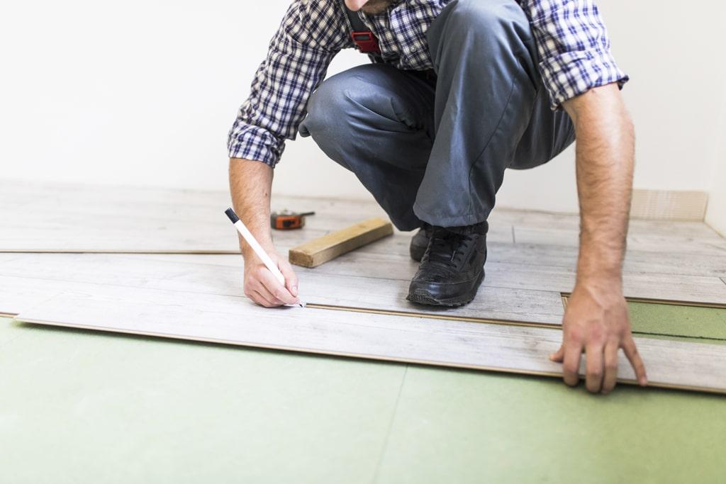 PVC podlahy lákajú najmä svojou cenou
