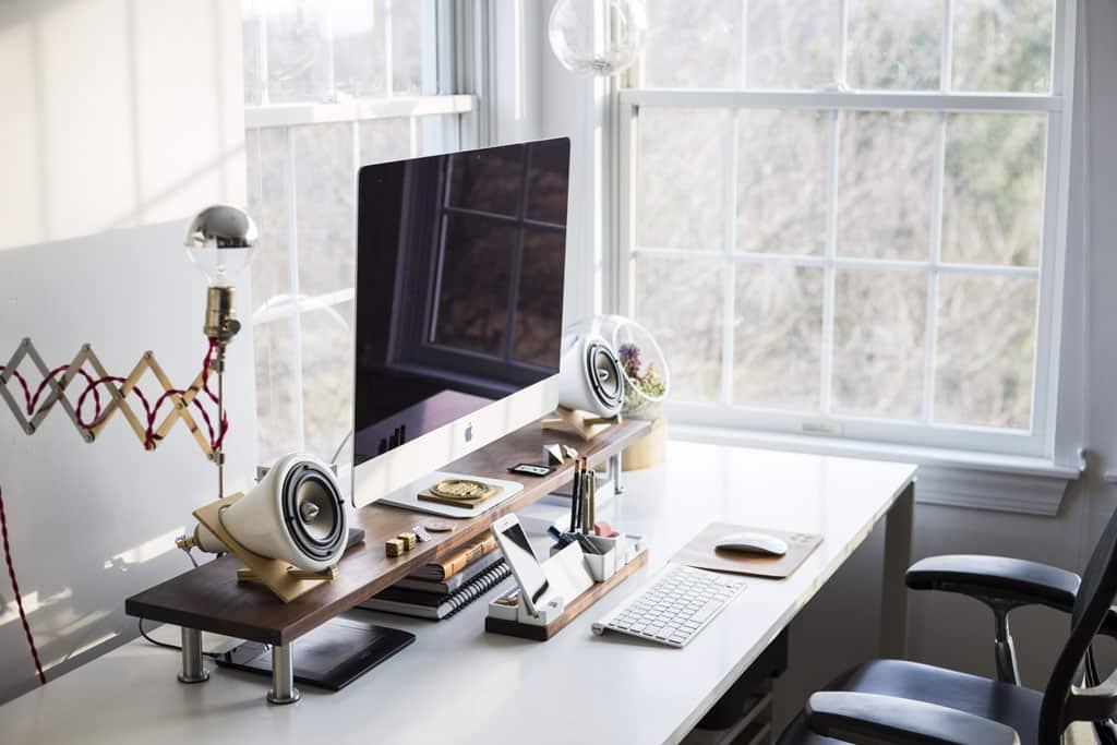Práca z domu: 3 TIPY, ako na štýlový home office