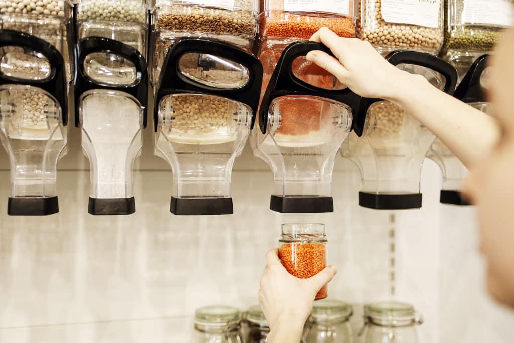 Zero waste Ako na bezodpadovú domácnosť a ekologickejší životný štýl, Bezobalové nakupovanie