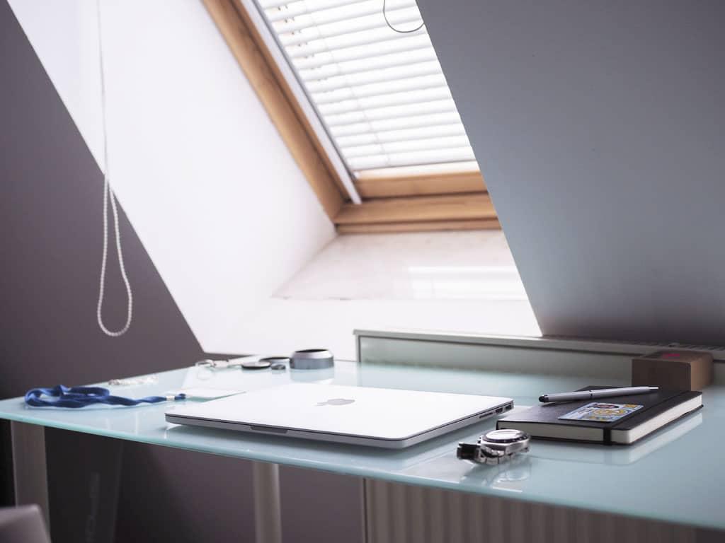 Prirodzené svetlo a príjemná atmosféra, na čo si dať pozor pri výbere strešných okien