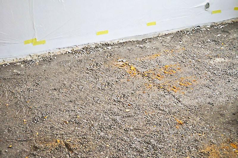 Škvára v dome je zdraviu škodlivá, spýtajte sa na to pri kúpe starého domu, zdrave byvanie, stavebne materialy