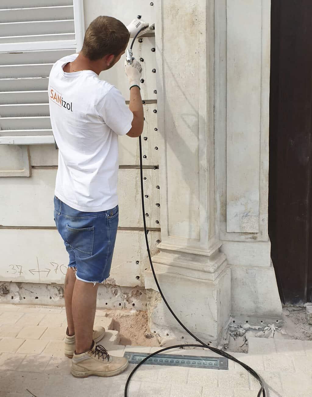 Špecialisti na boj s vlhkými murivami stavebných objektov, Sanizol, sanacia, diagnostika, hydroizolacia
