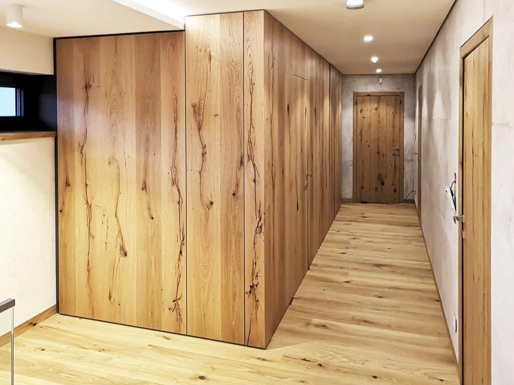 Dyhovane reverzne dvere, montaz na mieru Atelier Suchanek Dubravka Bratislava Slovensko interier