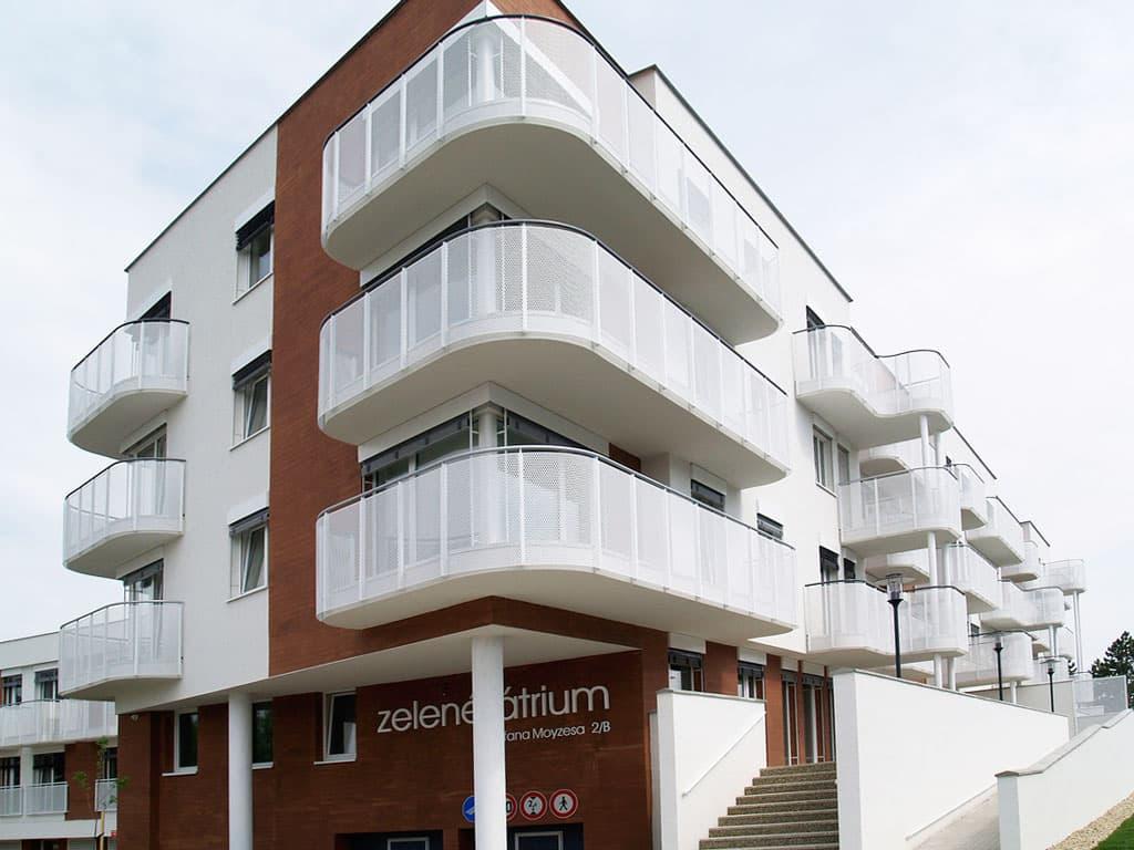 Bytový dom ZELENÉ ÁTRIUM, Perforované materiály záruka nadčasového a funkčného dizajnu, exterier, fasada z perforovaneho materialu, Perfora