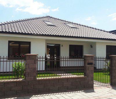 Zdravý montovaný keramický dom postavený už za 3 dni, Keramicky rodinny dom Lucenec, stavba, zvisla konstrukcia