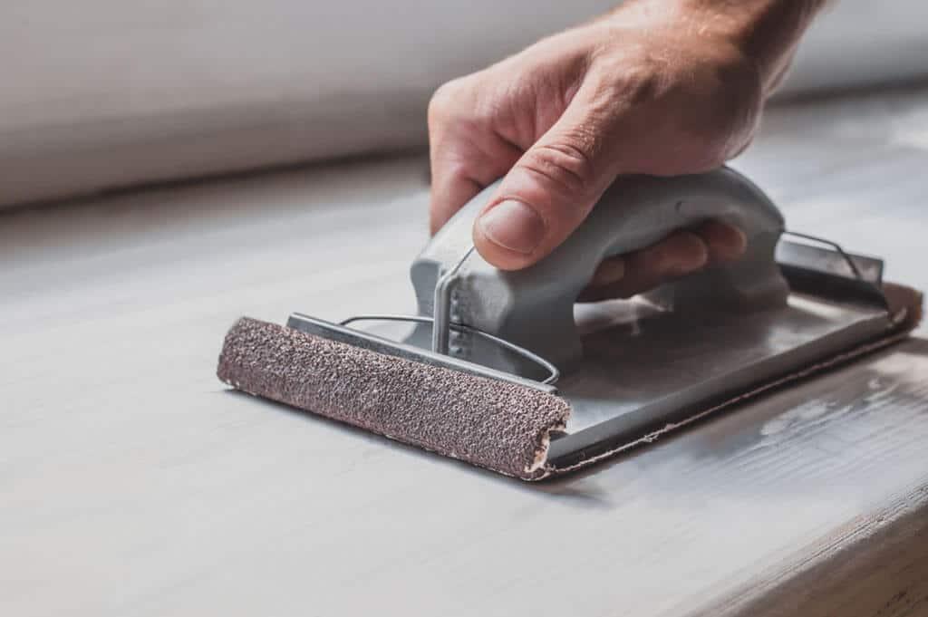 Povrchová úprava dreva, zvoľte si vhodné nástroje a materiál na prácu, interier, nabytok