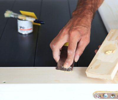 Prostriedky na zušľachtenie a brúsenie povrchu – tmely, drevo